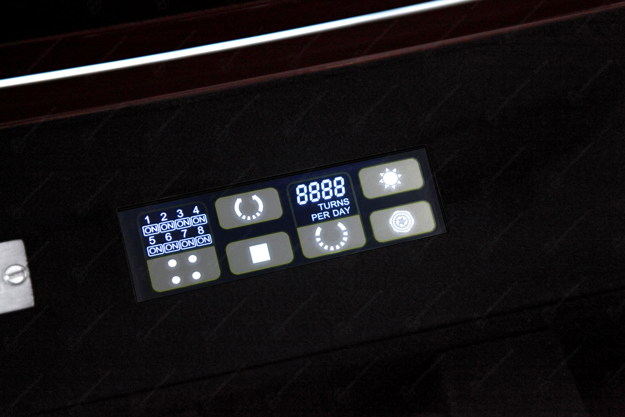 BS8 Red Limited Edition Шкатулка для завода наручных часов. Лимитированная серия 250 шт. Отделка Глянцевый рояльный лак и кожа. Для 8 часов + 6 хранение. Сенсорное управление. Подсветка.