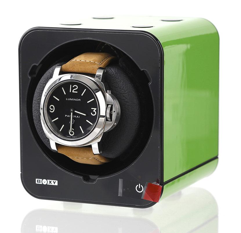 BOXY Fancy Brick (Green) Бокс для часов с автоподзаводом. Стильное продолжение предыдущей коллекции шкатулок Boxy. 45 режимов завода часов. Световой сенсор ориентации положения часов…