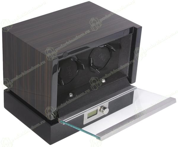 Panamerica II black Шкатулка Kadloo для подзавода 2 механических часов. Независимые ячейки для часов, удобное управление, электронный дисплей, все это в корпусе из дерева покрытого черным рояльным лаком. Уникальная модель, отличный выбор для Ваших часов