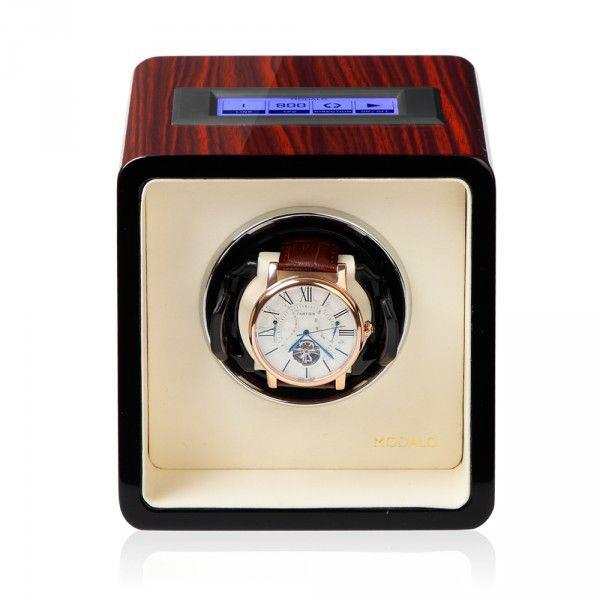 Modalo 17.01.62.3 Шкатулка для подзавода 1-х механических часов выполнена из натурального дерева, покрыта рояльным лаком.