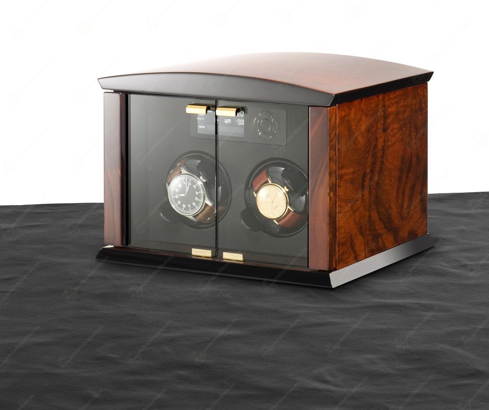 ELMA motion Сorona 2 burlwood / glass doors Шкатулка Elma Corona 2 LCD. Обновленная модель столь популярной шкатулки для часов. Шкатулка создана для подзавода часов, в механизме, управлении и дизайне, учтены все нюансы, что бы ваши часы, не нуждались в сервисе и прослужили вам гораздо дольше